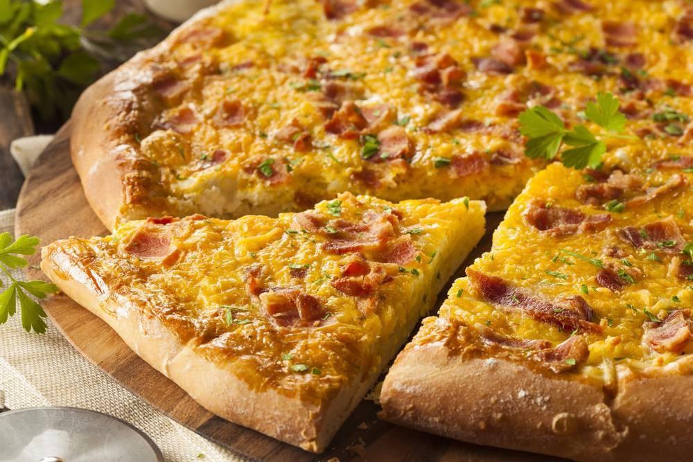 طريقة عمل البيتزا بالجبن الريكوتا و البيض