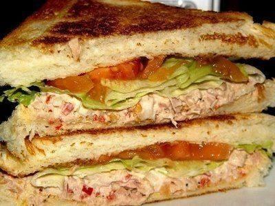 ساندويتش التونة بالمستردة