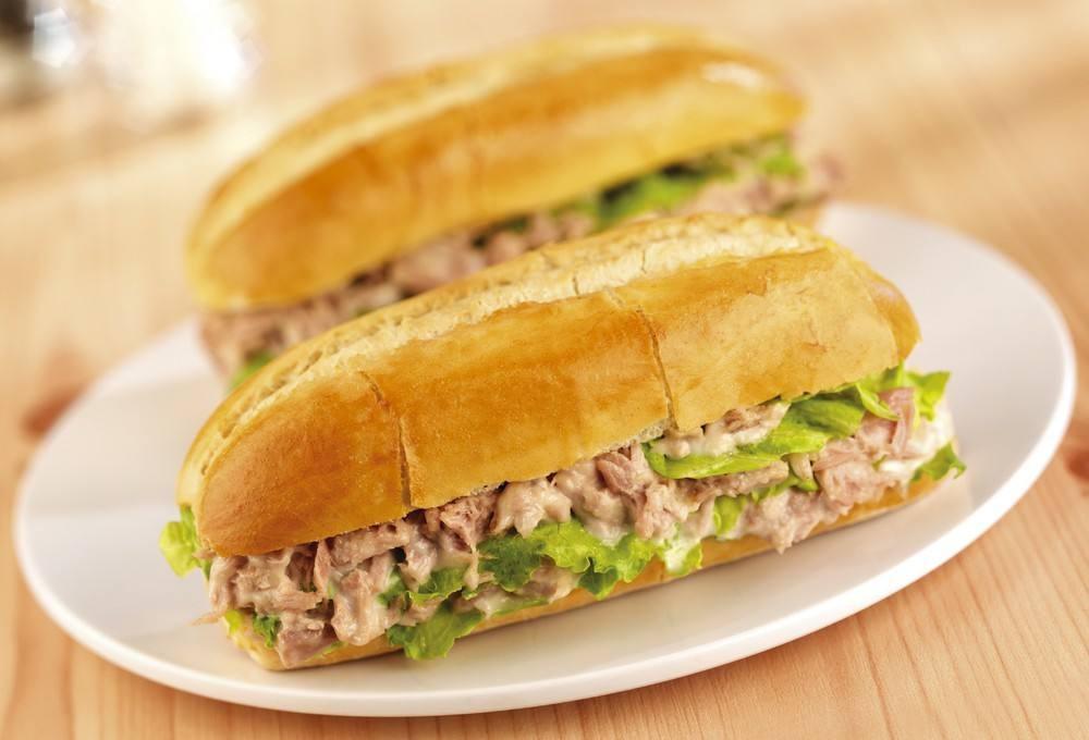 طريقة عمل ساندويتش تونة بالمايونيز