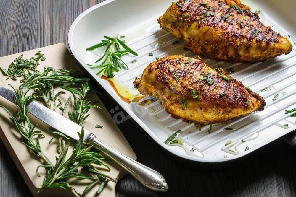 طريقة عمل صدور الدجاج بزيت الزيتون