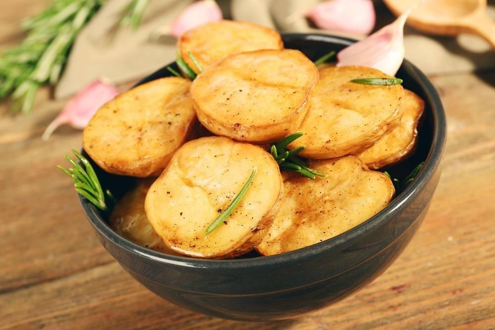 طريقة عمل حلقات البطاطس بالأوريجانو