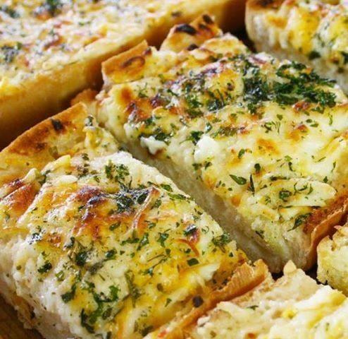 شرائح الخبز بالجبن والمايونيز