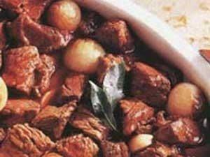 اللحم بالتوابل والبصل