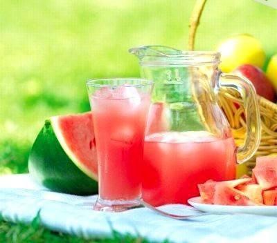 عصير الليمون والبطيخ