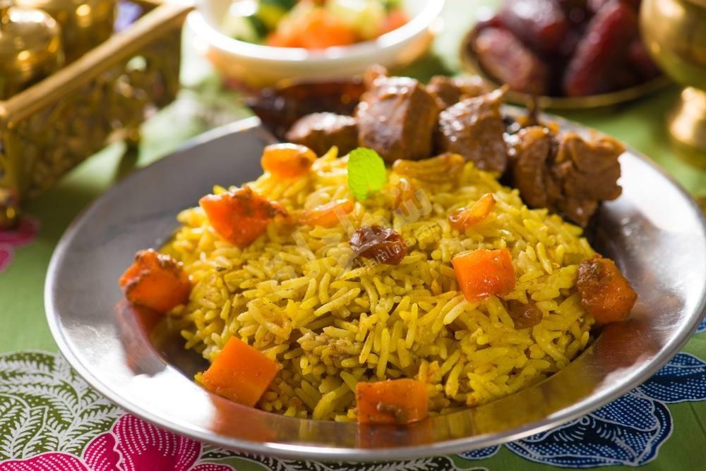 طريقة عمل أرز بسمتي سعودي بالجزر