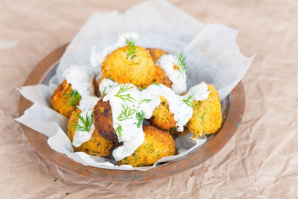 طريقة عمل كرات البطاطس بالبشاميل المقرمشة