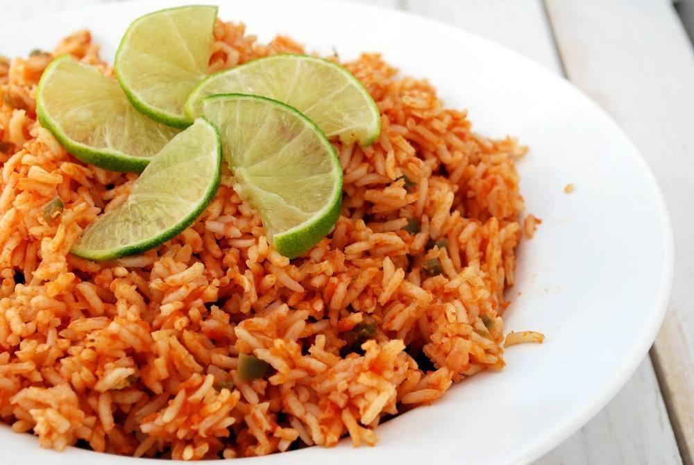 طريقة عمل الأرز المكسيكي بصوص الطماطم