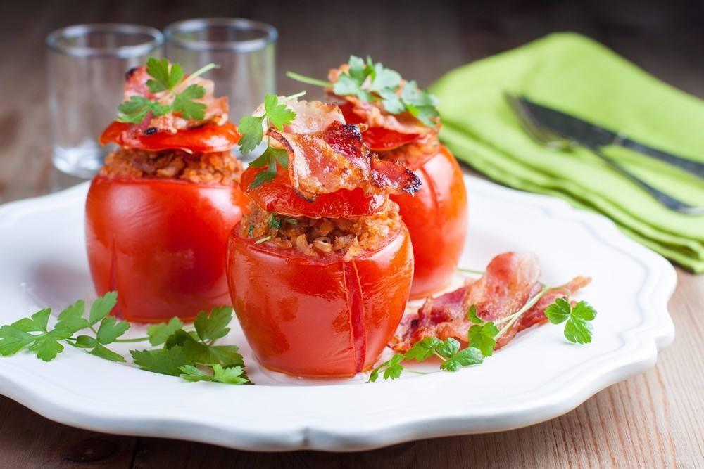طريقة عمل الطماطم بالبيكون و المايونيز