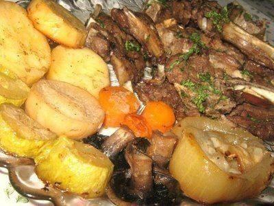 لحم الريش مع الخضار المشوي
