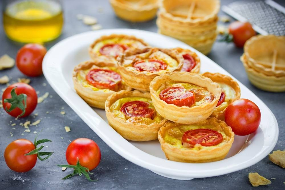 طريقة عمل ميني تارت الجبنة بالطماطم