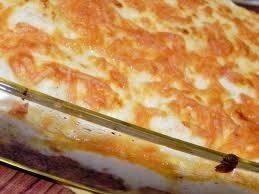 صينية اللحم المفروم بالخضروات والبشاميل