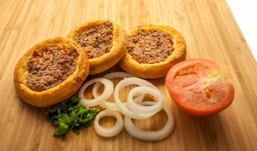 طريقة عمل لحم بعجين السورية