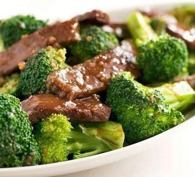 شرائح اللحم بالبروكلي