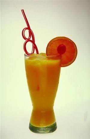 عصير الموز بالبرتقال والمانجو