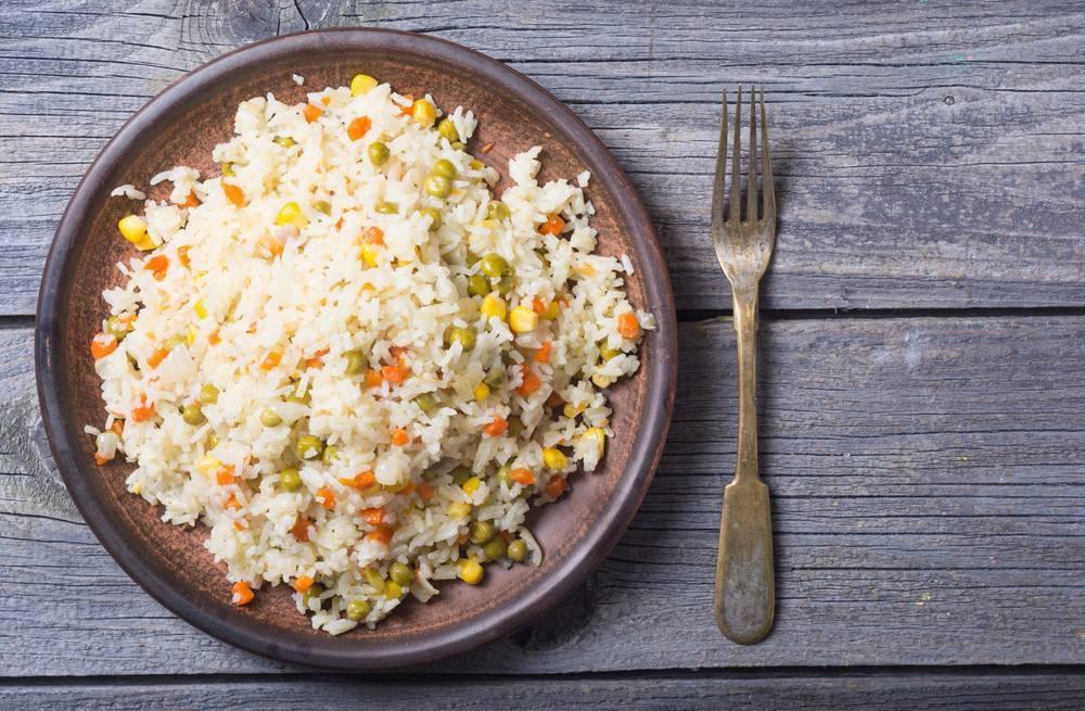 طريقة أرز بالذرة الصفراء والجزر