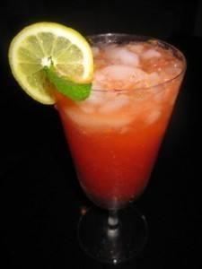 عصير ليمون بالتوت